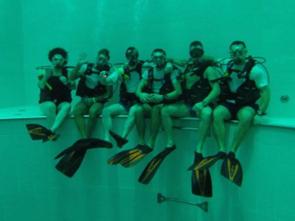 Una splendida domenica a Y-40, la piscina più profonda del mondo